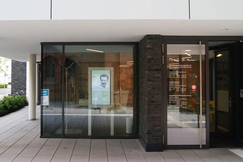 Fensterbeschriftungen-Max-Hering-Oldenburg